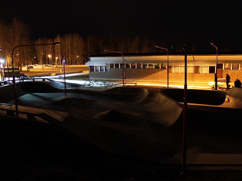 Prisma Tibro, Sweden | Prisma Eliott | LED gatubelysning |Vägbelysning | Actionpark, BMX, skateboard